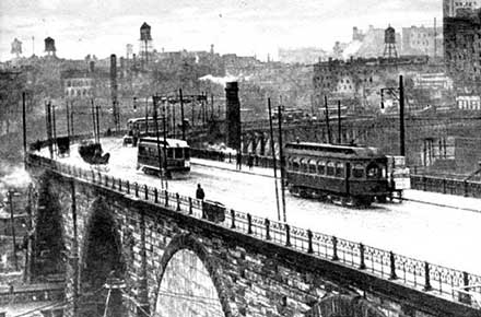 Streetcars on the Superior Viaduct