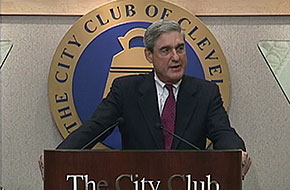 FBI Director Robert Mueller addresses the City Club