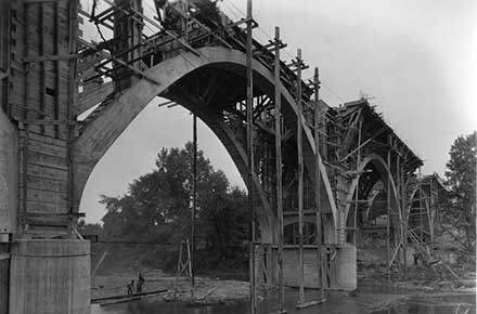 Willoughby Viaduct construction, 1920.